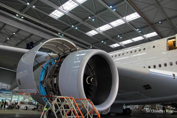 airbus-380-lufthansa-motor-abierto