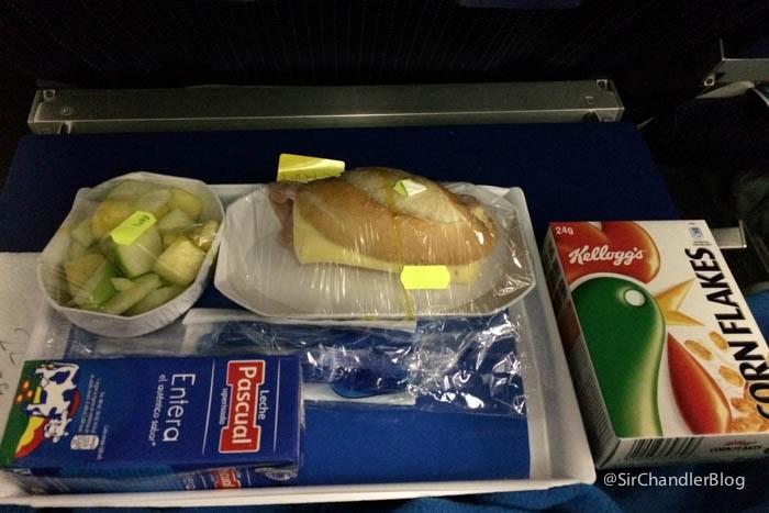 aerolineas-argentinas-desayuno-infantil