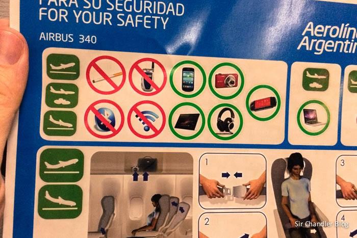 aerolineas-safety-card