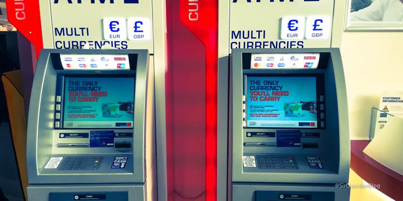 Sacando euros con la de d bito del franc s for Cajeros automaticos banco santander