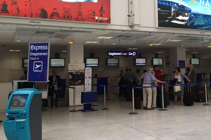 6-mostrador-aeropuerto