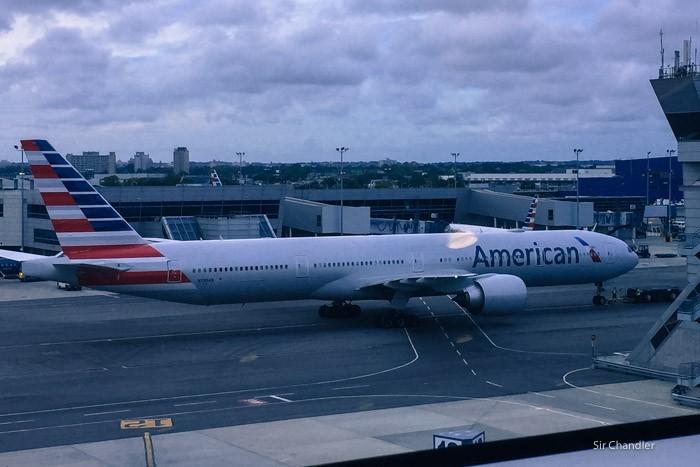 american-777-300-8547