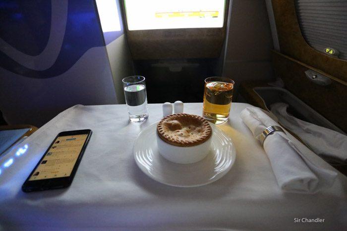 18-emirates-airbus-380-9501
