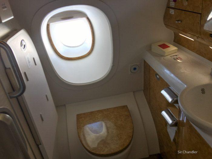 29-emirates-airbus-380-4015