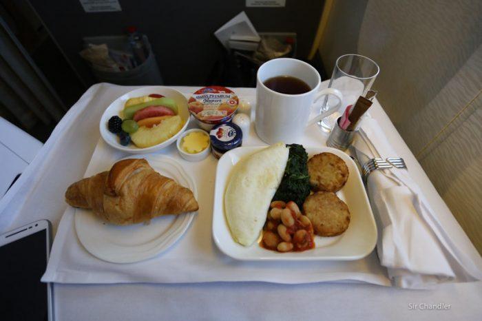 14-desayuno-business-emirates