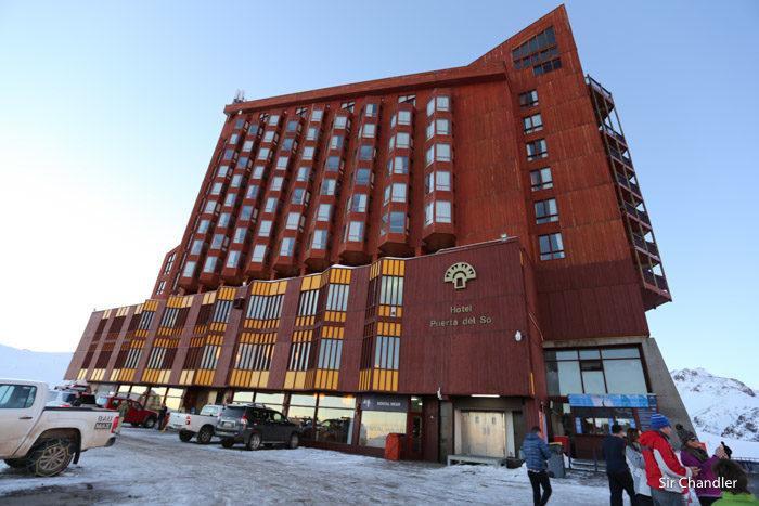 El hotel de valle nevado for Hoteles en la puerta