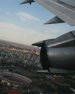 Viajar gratis en avión… o por dos mangos