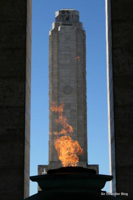 Unas tomas del Monumento a la Bandera