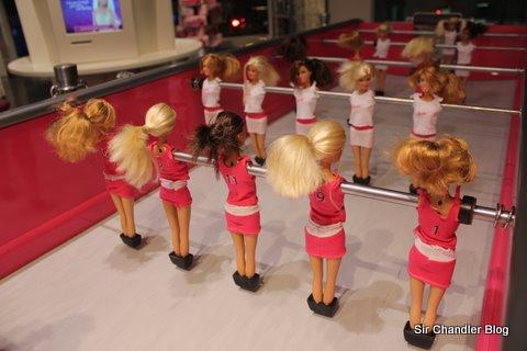 Un metegol con Barbie