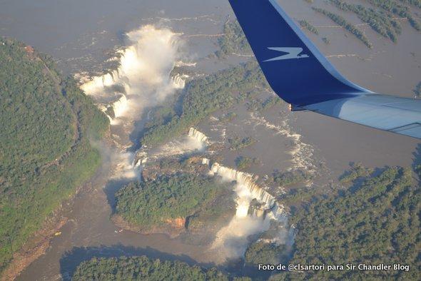 Sobrevolando las Cataratas del Iguazú en un 737