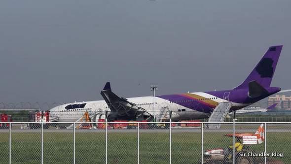 Accidente de avión en la era de las redes sociales: «tapá el nombre!!!»