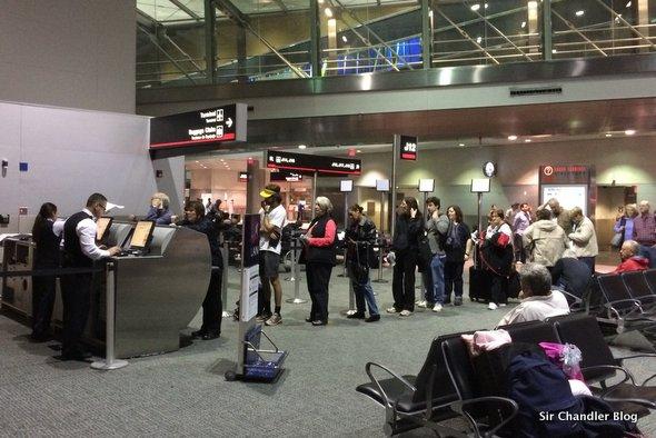 miami-aeropuerto-fila-cola