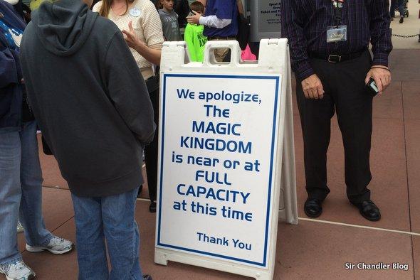 magic-kingdom-lleno-cartel