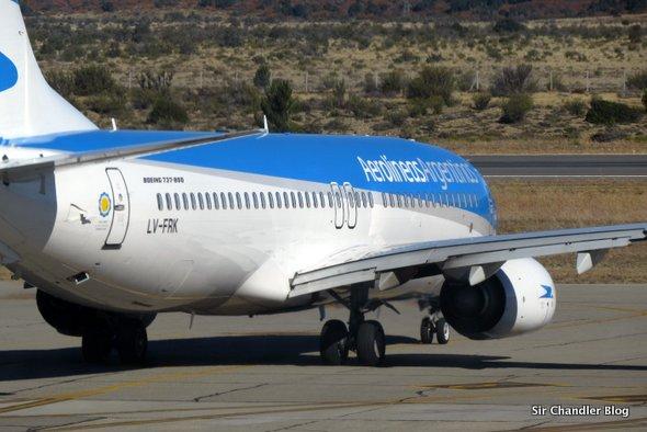 Boeing-737-800-aerolineas-lv-fnk