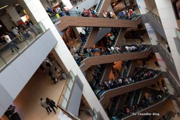 costanera-mall-escaleras