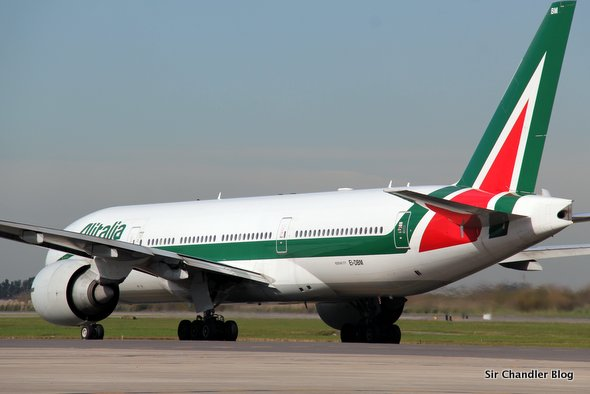 alitalia-boeing-777-200