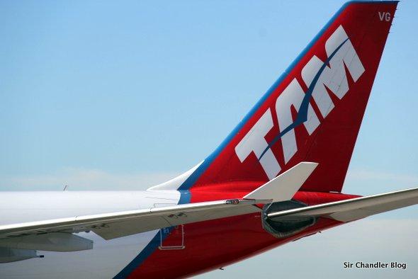 tam-cola-airbus-330