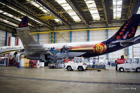 Así es el avión que va a buscar a los belgas
