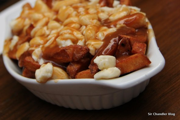 El poutine: un símbolo gastronómico canadiense