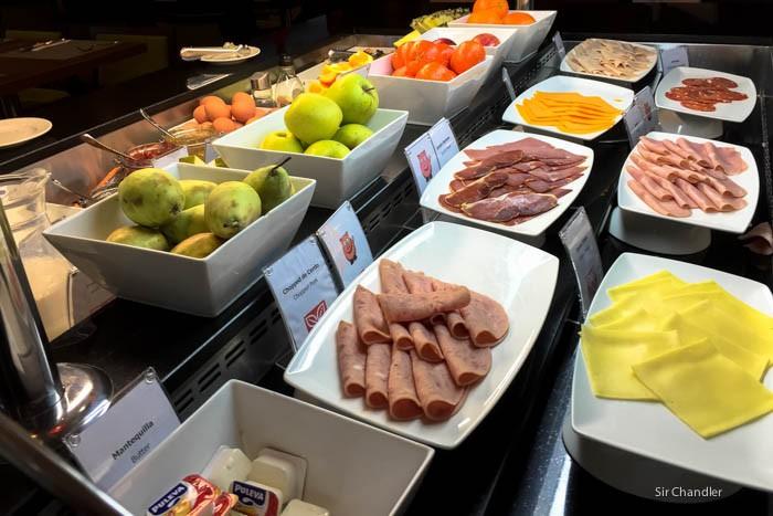 09-hilton-garden-desayuno
