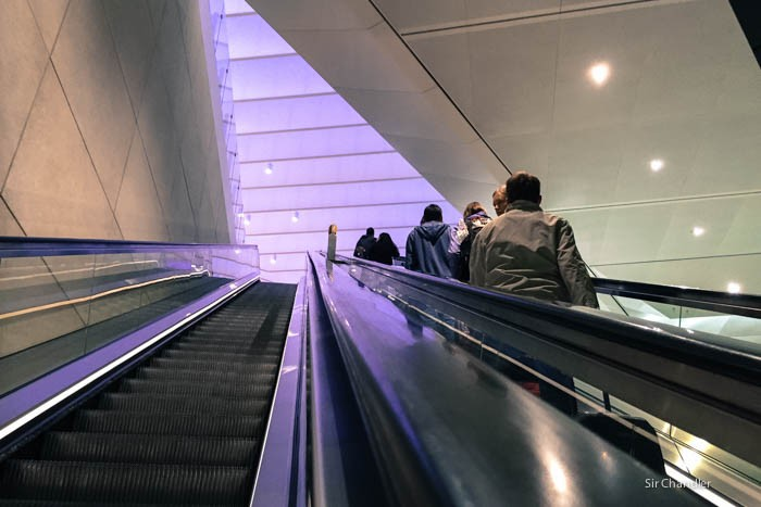 14-heathrow-escalera