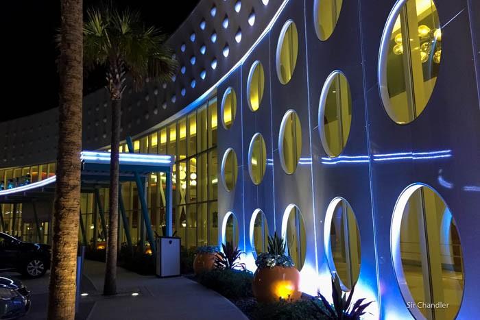 07-cabana-bay-hotel