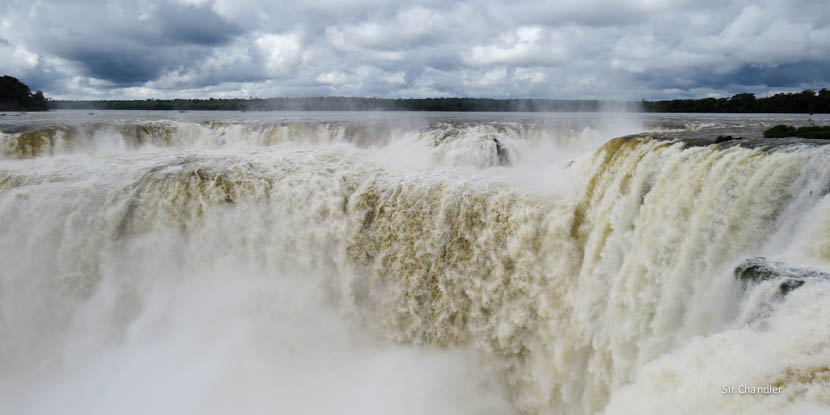 Air Europa comenzó con los vuelos a Iguazú