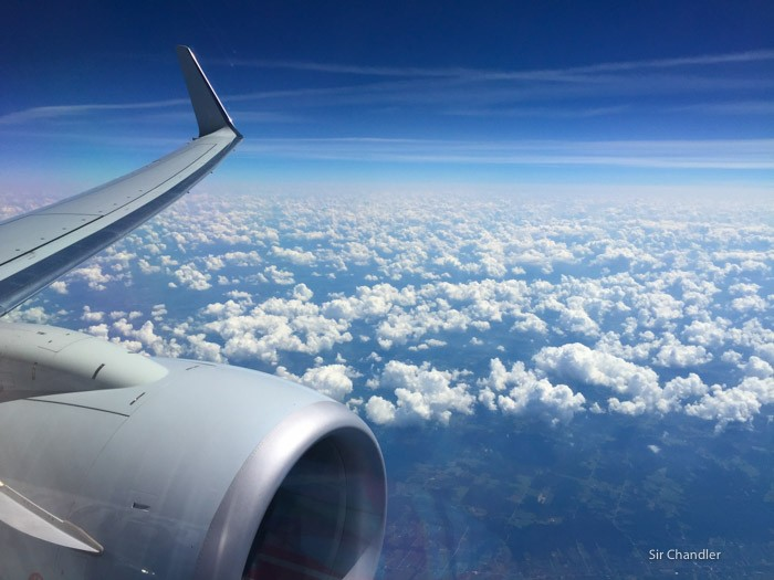 23-nubes-american-737