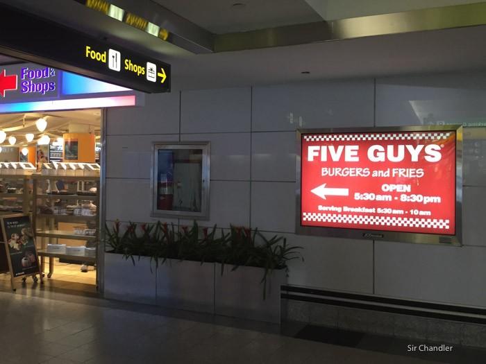 5-five-guys-la-guardia