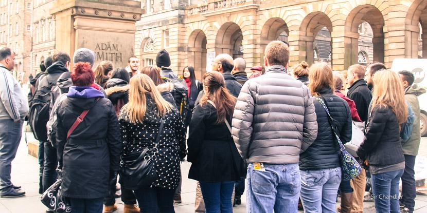 Conocer Edimburgo caminando con guías