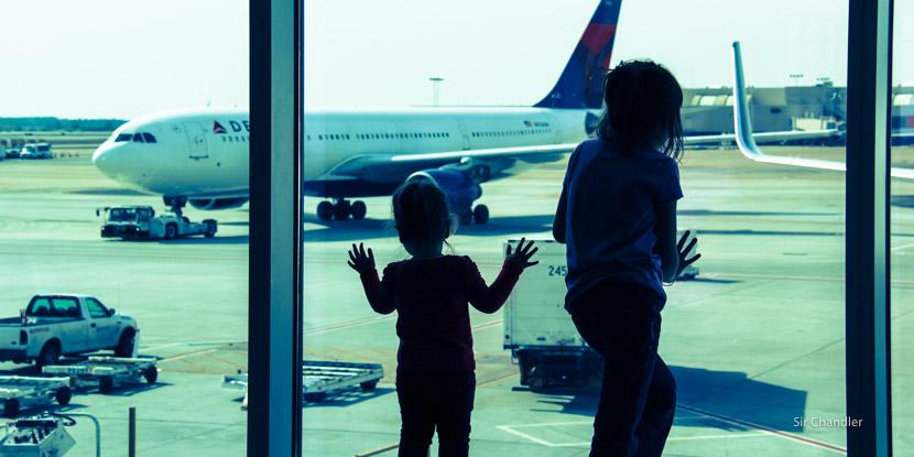 Consejos para viajar con chicos en avión