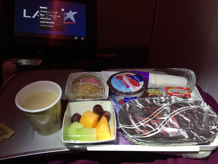 14-desayuno-lan-787