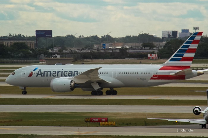 18-787-american-airlines-chicago