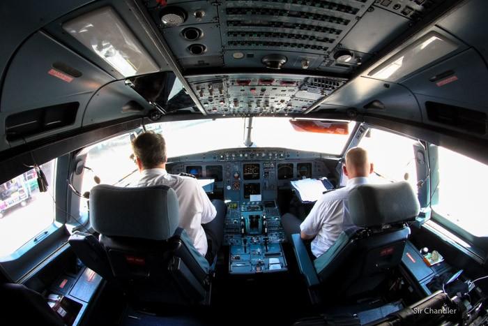18-cockpit-320-lan-argentina