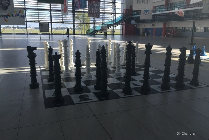 5-ajedrez-praga-aeropuerto