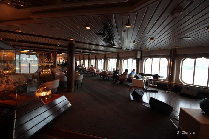 monarch-buque-0002