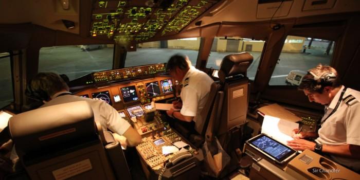D-777-cockpit-air-new-zealand