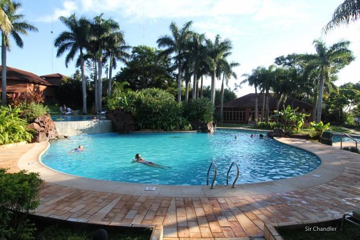 12-grand-iguazu-hotel-piscina
