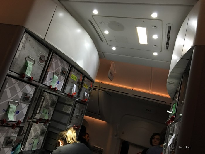 14-galley-787