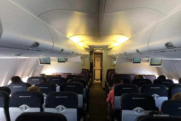 21-cabina-737-qantas
