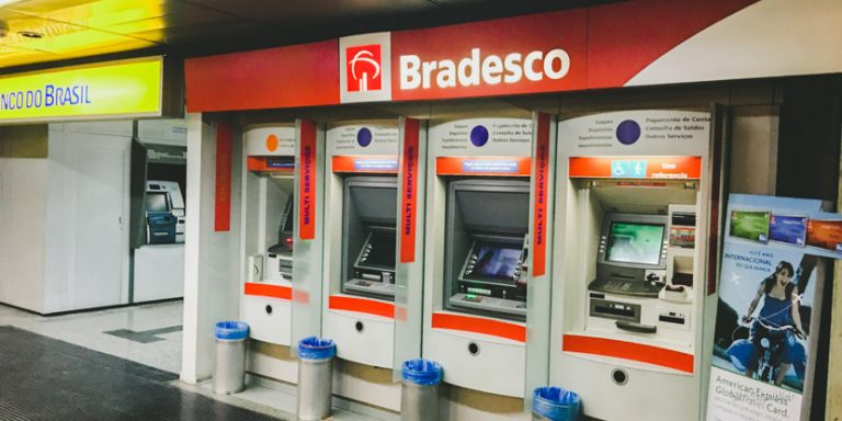 El peor cepo: USD 50 máximo de adelanto en efectivo con tarjeta de crédito