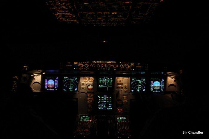 cockpit-airbus-340-cek