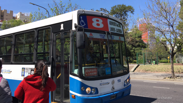 Ezeiza: La línea 8 pone un semi rápido por $19,70 que tardará una hora desde/hacia Plaza de Mayo