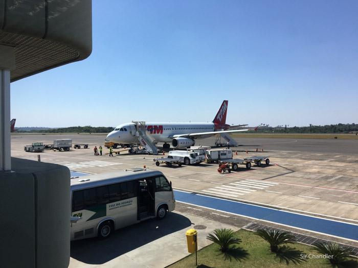 Confirman el cierre del aeropuerto de Iguazú y derivación de vuelos a Foz un mes entero