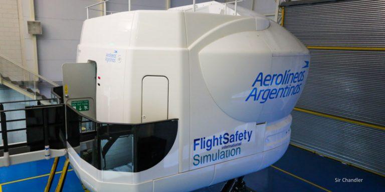 Pilotos de Aerolíneas Argentinas vuelven a los simuladores en junio