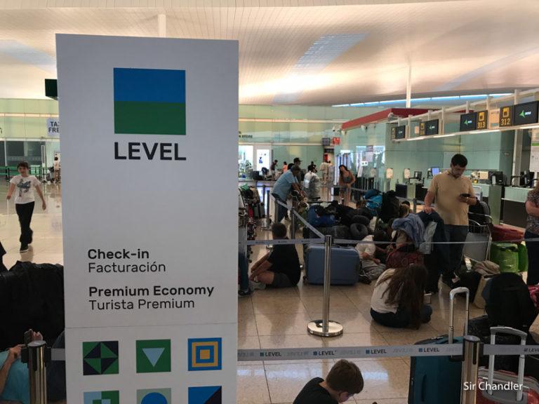 Cuidado con LEVEL y los costos en el aeropuerto