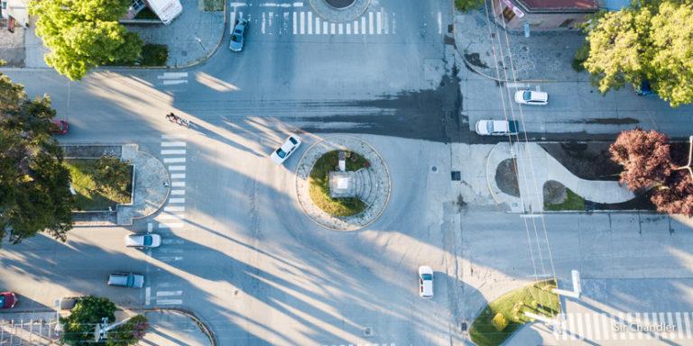 Las rotondas de Esquel… al revés de todo el país