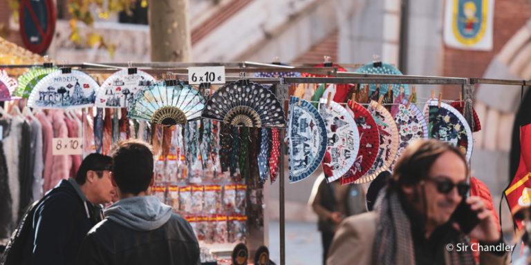 Postales de El rastro, el mercado callejero de Madrid