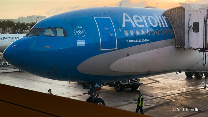 Aerolíneas sumó dos vuelos más a la lista de cancillería: Madrid y Miami