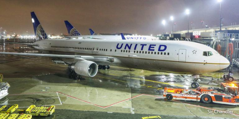 United suspende su vuelo a New York